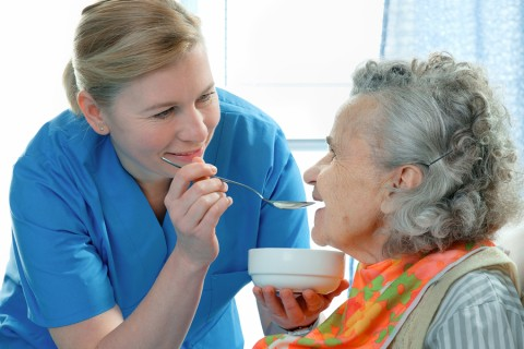 pros and cons of feeding tubes in the elderly
