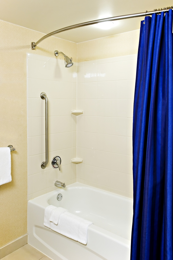 Accessible bathtub and shower